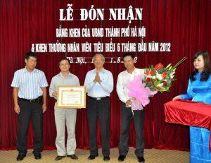 hipt nhan bang khen UBND TP HN 2011 - Hoang duy khanh (6)
